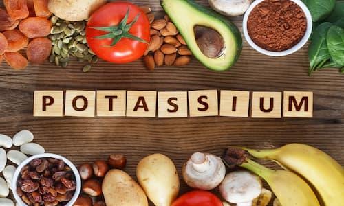 مواد غذایی سرشار از پتاسیم در بدن | اهمیت پتاسیم در بدن