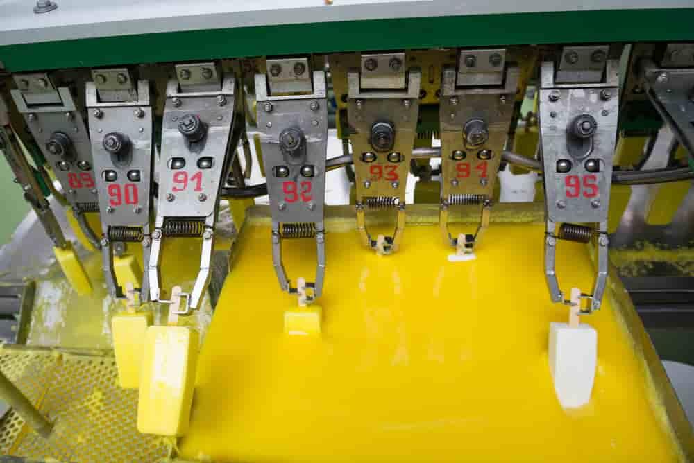 تولید بستنی در کارخانه